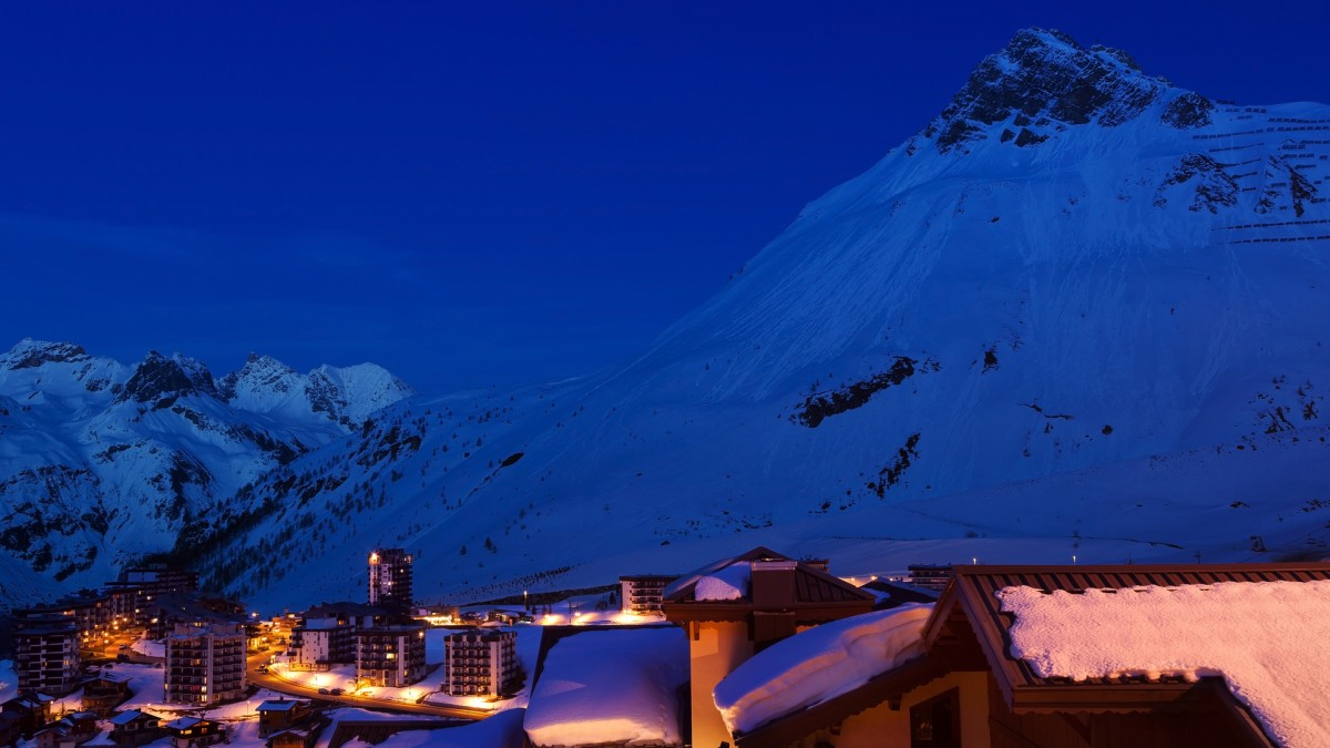 ski chalets in tignes catered chalets alpenglow