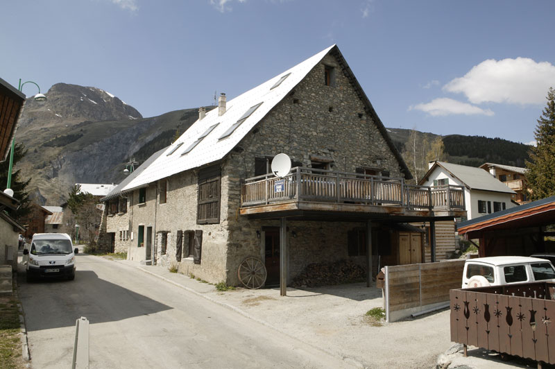 Top 5 Tips for Booking a Ski Chalet in France - Chalet Chamois Volant, Les Deux Alpes