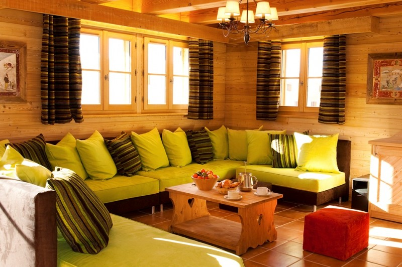 Chalet la chapelle alpe d 39 huez alpenglow for Living room 11 x 14
