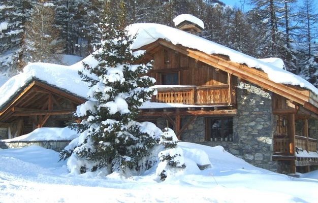 Top 10 Catered Ski Chalets 2018-19 - Alpenglow