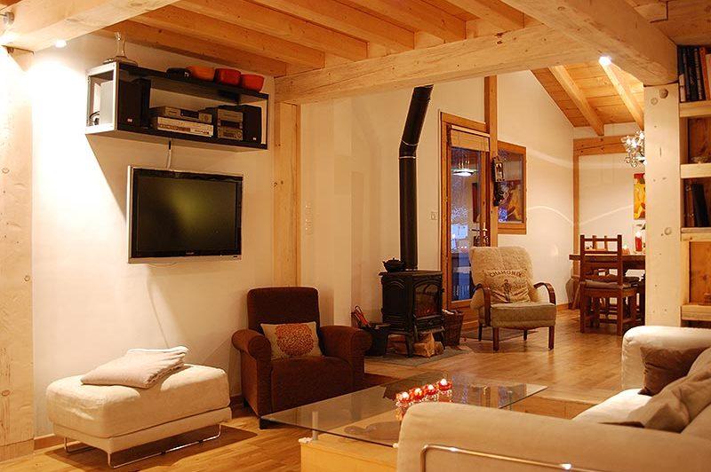Tiki Lodge